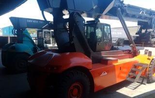 Orange container hoist
